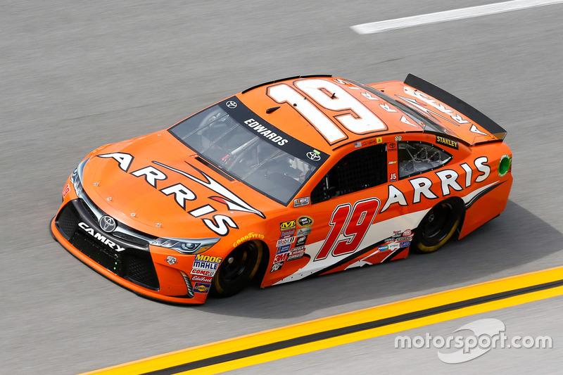 #8: Carl Edwards (Gibbs-Toyota)