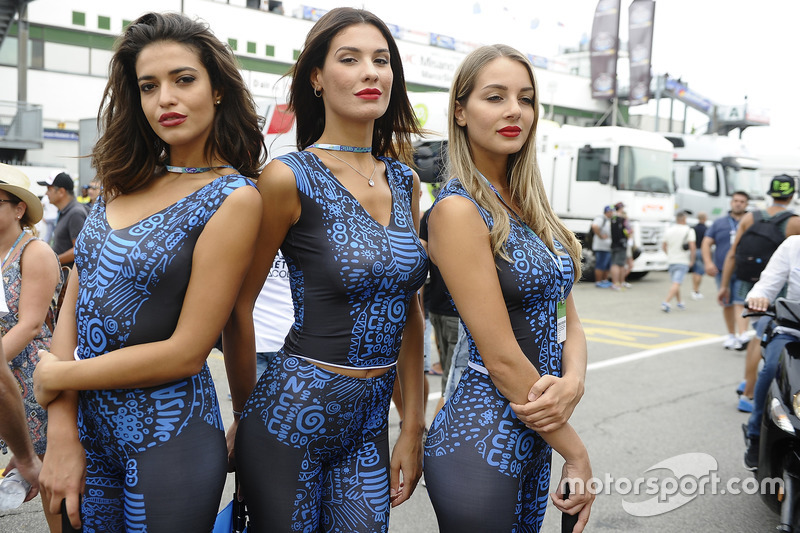 Lovely grid girls at San Marino GP