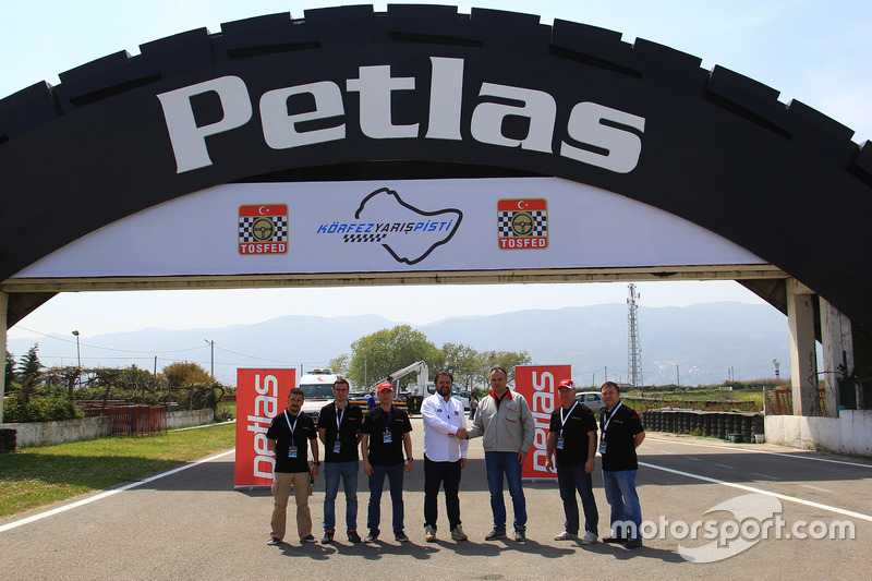 TOSFED Körfez pisti, Petlas köprüsü açılışı