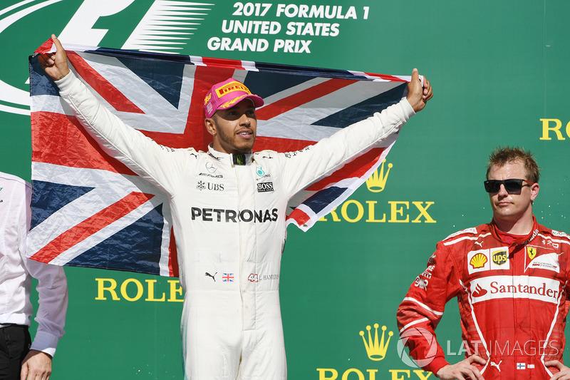 Podio: ganador de la carrera  Lewis Hamilton, Mercedes AMG F1 y tercer lugar Kimi Raikkonen, Ferrari