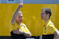 Bob Bell, Renault Sport F1 Team at Renault Sport F1 Team and Remi Taffin, Head of Renault Sport F1 Track Operations