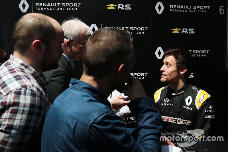Jolyon Palmer, Renault Sport F1 Team, mit der Presse