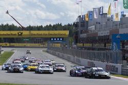 Start action, Bruno Spengler, BMW Team RBM, BMW M4 DTM leads