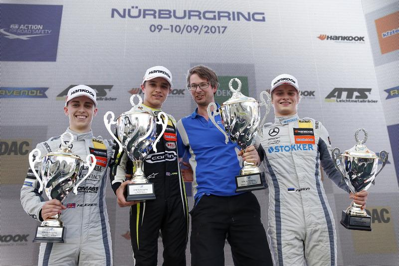 Podium: Racewinnaar Lando Norris, Carlin Dallara F317 - Volkswagen, tweede plaats Jake Hughes, Hitech Grand Prix, Dallara F317 - Mercedes-Benz, derde plaats Ralf Aron, Hitech Grand Prix, Dallara F317 - Mercedes-Benz