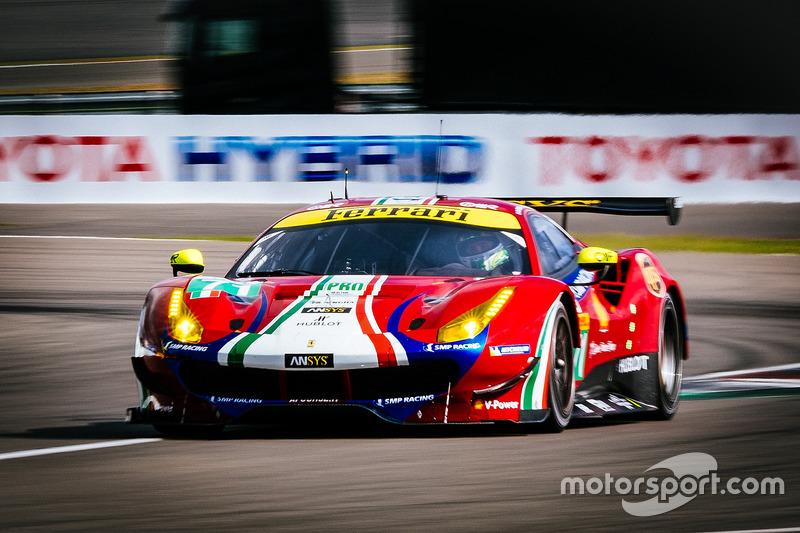 #71 AF Corse Ferrari 488 GTE: Davide Rigon, Toni Vilander