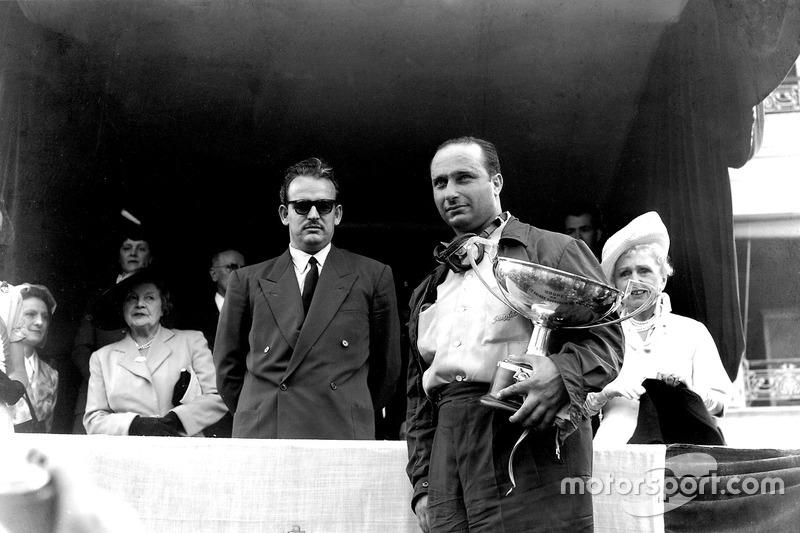 No entanto, como o campeonato de construtores só passou a ser disputado em 1958, a Alfa saiu dos anos 1950 sem nenhum título entre equipes.