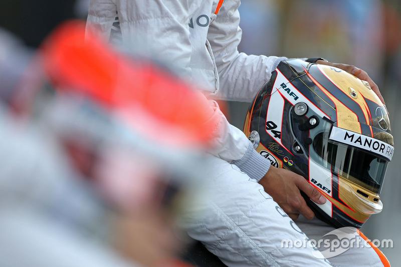 Casco de Pascal Wehrlein, Manor Racing