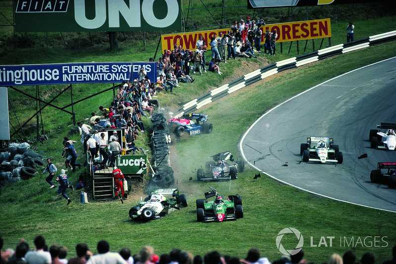L'incidente di Eddie Cheever, Philippe Alliot, Stefan Johansson e Jo Gartner a Brands Hatch 1984