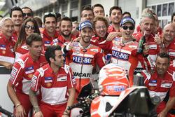 Andrea Dovizioso, Ducati Team, Jorge Lorenzo, Ducati Team with the team