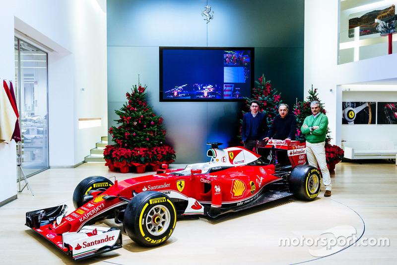 Maurizio Arrivabene, director del equipo Ferrari, Sergio Marchionne, Presidente y CEO de Fiat Chrysler automóviles Ferrari, Scuderia Ferrari y Director técnico de Ferrari Matthias Binotto SF16-H