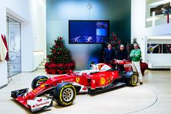Маурицио Арривабене, руководитель команды Ferrari, Серджио Маркионне, президент Ferrari и исполнительный директор Fiat Chrysler Automobiles, Маттиа Бинотто, технический директор Ferrari и Ferrari SF16-H