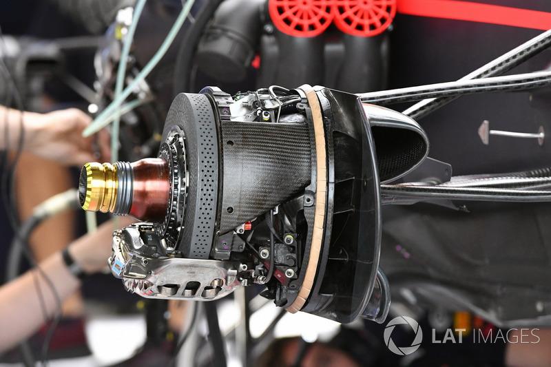 Red Bull Racing RB13, freno delantero y otros detalles del coche