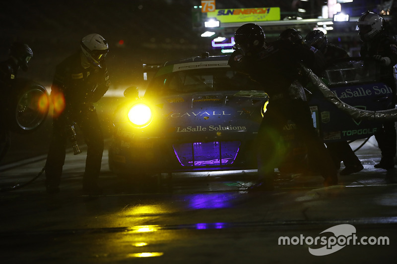 #991 TRG Porsche 911 GT3 R: Santiago Creel, Wolf Henzler, Jan Heylen, Mike Hedlund, Timothy Pappas