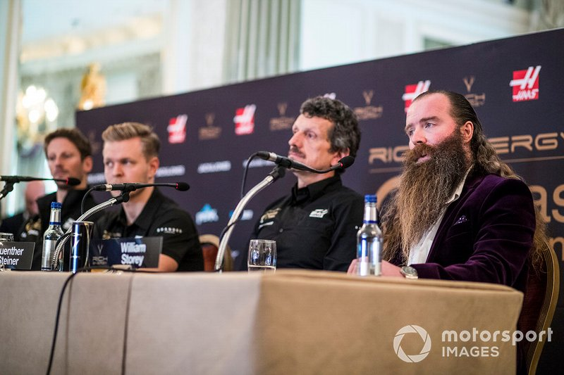 Romain Grosjean, Haas F1 Team, Kevin Magnussen, Haas F1 Team, Guenther Steiner, Team Principal, Haas F1, William Storey, CEO Rich Energy