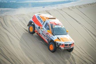 Исидре Эстев Пуйоль и Чема Вильялобос, Sodicars Racing, BMW BV6-1 (№324)