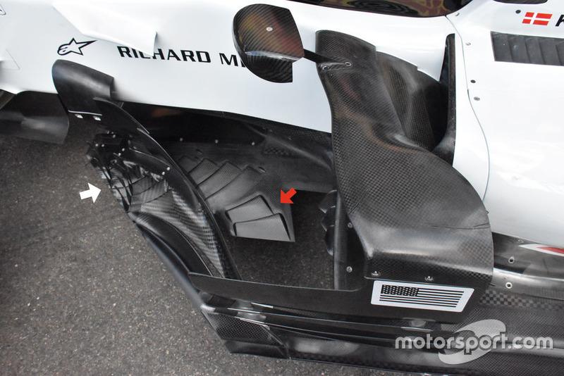 Днище Haas F1 Team VF-18