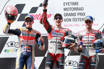 Podio: segundo, Marc Marquez, Repsol Honda Team, ganador, Jorge Lorenzo, Ducati Team, tercero, Andrea Dovizioso, Ducati Team
