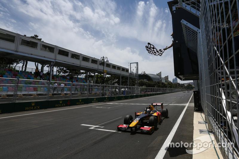 Antonio Giovinazzi, PREMA Racing, gana la carrera