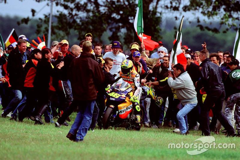 2002 : Валентино Россі (Repsol Honda Team)