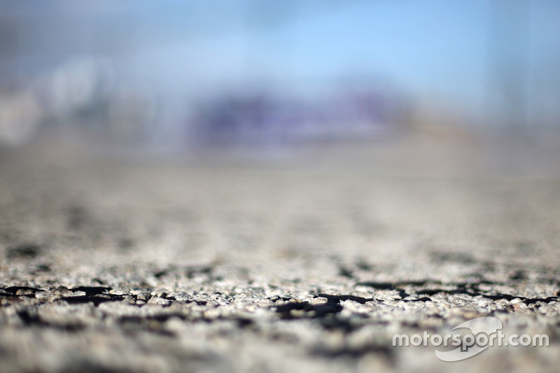 Tyres marble on track