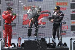 Podium: pemenang Brett Sandberg, peringkat kedua Jeff Courtney, peringkat ketiga Scott Heckert