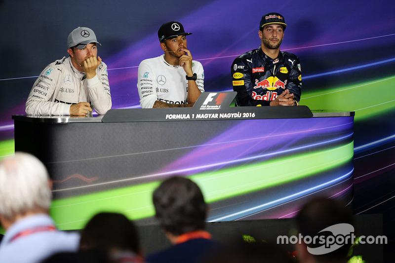 Conferencia de prensa: ganador Lewis Hamilton, Mercedes AMG F1 Team, Nico Rosberg Mercedes AMG F1 Team el segundo lugar y tercer lugar Daniel Ricciardo, Red Bull Racing