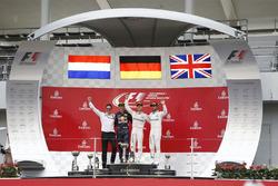 Podium: 1. Nico Rosberg, Mercedes AMG F1; 2. Max Verstappen, Red Bull Racing; 3. Lewis Hamilton, Mer