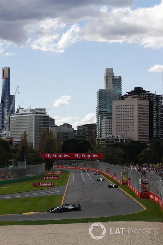 Valtteri Bottas, Mercedes AMG F1 W09, Lance Stroll, Williams FW41 Mercedes, Marcus Ericsson, Sauber