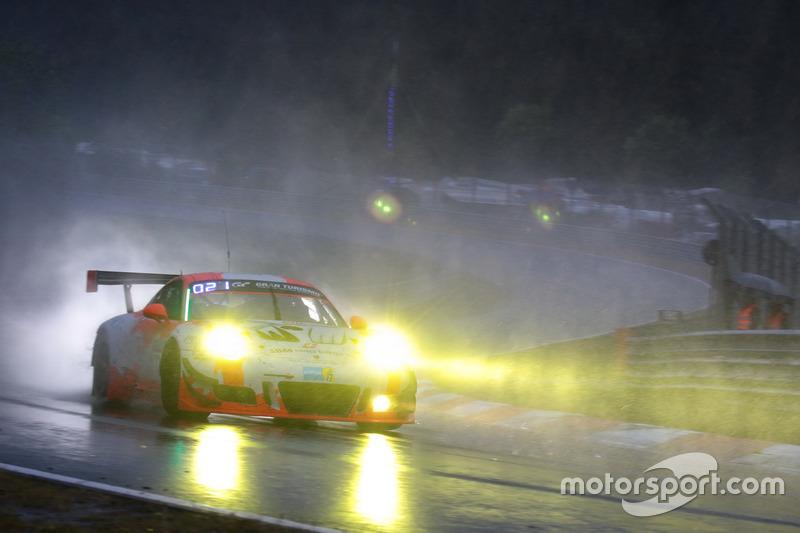 18. #12 Manthey Racing Porsche 911 GT3 R: Otto Klohs, Lars Kern, Dennis Olsen, Philipp Frommenwiler