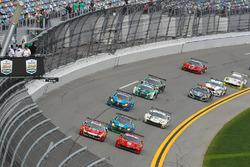 Start, #82 Risi Competizione Ferrari 488 GT3, GTD: Ricardo Perez de Lara, Martin Fuentes, Santiago Creel, Miguel Molina, Matt Griffin, Leads the GTD field to the Green Flag
