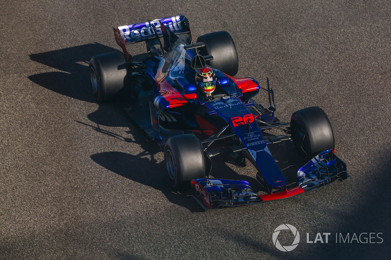 2017. Toro Rosso STR12 Renault
