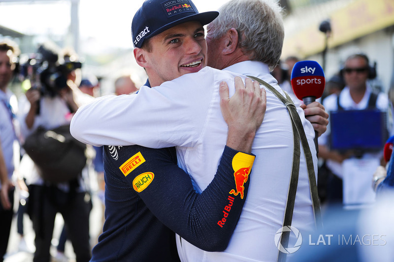 Max Verstappen, Red Bull Racing, y Helmut Markko, Consultant, Red Bull Racing
