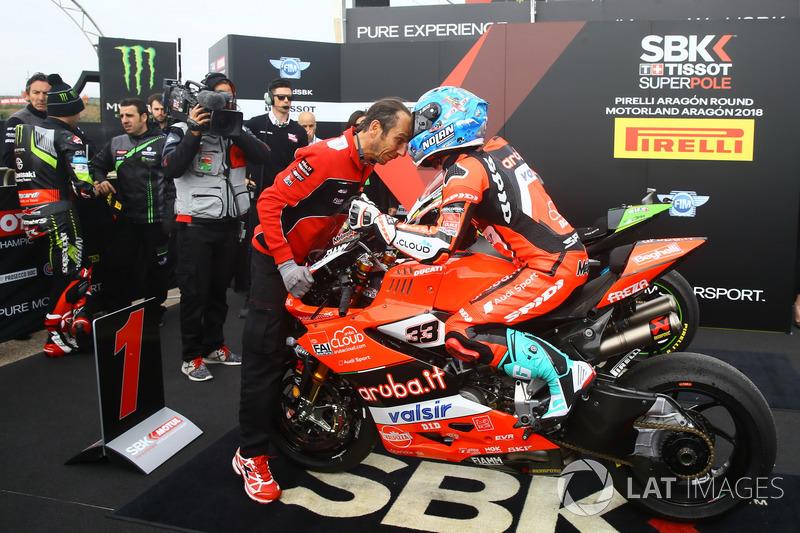 Marco Melandri, Aruba.it Racing-Ducati SBK Team conquista la pole position