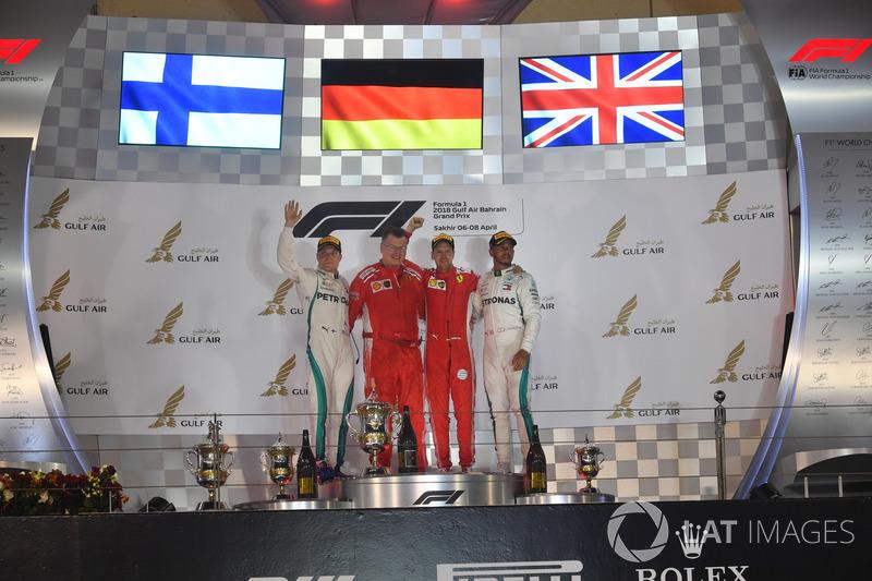 Podyum: 2. Valtteri Bottas, Mercedes-AMG F1, yarış galibi Sebastian Vettel, Ferrari, 3. Lewis Hamilton, Mercedes-AMG F1