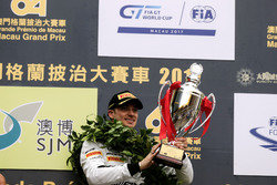 Podium: Racewinnaar Edoardo Mortara, Mercedes-AMG Team Driving Academy, Mercedes - AMG GT3
