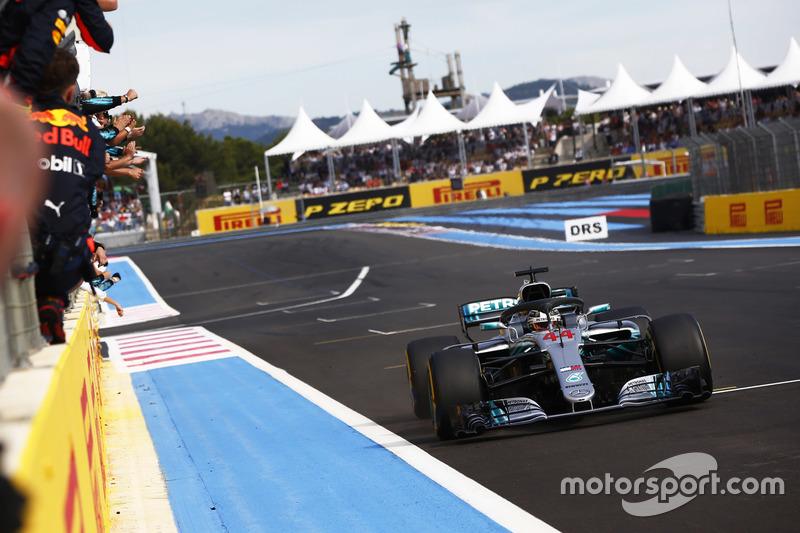 Lewis Hamilton voltou a vencer e recuperou a liderança do campeonato, 14 pontos à frente de Vettel, o quinto da corrida