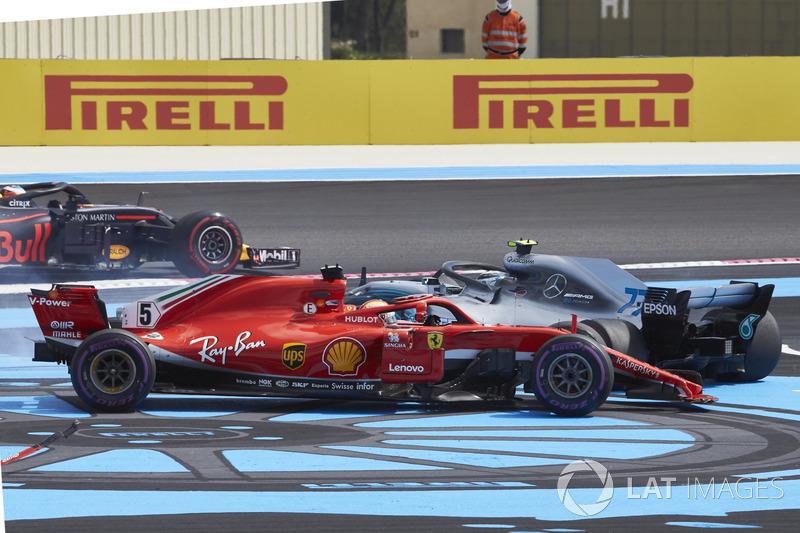 Гран При Франции: таран Боттаса на первом круге