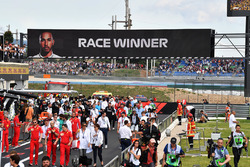 Pit lane and winners sign