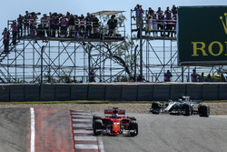 Себастьян Феттель, Ferrari SF70H, Льюіс Хемілтон, Mercedes-Benz F1 W08, на старті
