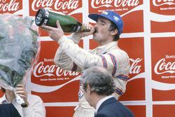 Podium: third place Nigel Mansell, Lotus 81B