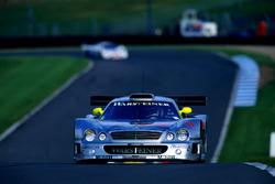 #11 AMG Mercedes-Benz CLK-GTR: Bernd Schneider, Alexander Wurz