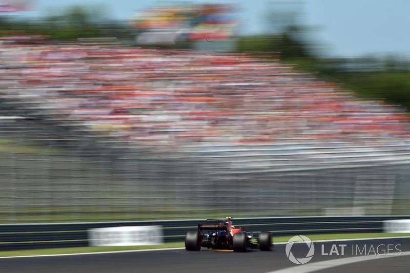 Stoffel Vandoorne, McLaren MCL32 chispas