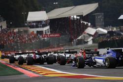 Daniil Kvyat, Scuderia Toro Rosso STR12, Felipe Massa, Williams FW40, Stoffel Vandoorne, McLaren MCL32, Pascal Wehrlein, Sauber C36