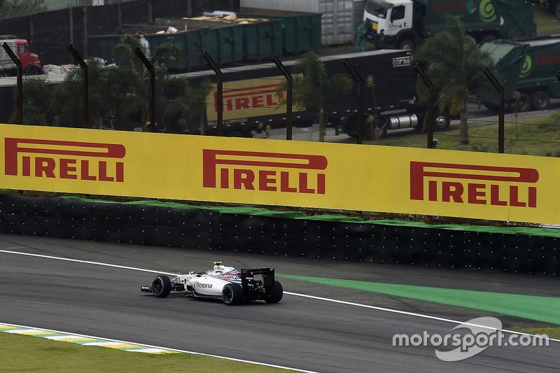 O trecho de alta velocidade cobra caro: no 1,3 km que separa a Junção e o S do Senna, são quase 20s de pé cravado. Assim, os carros completam 68% da volta com o acelerador pressionado ao máximo.