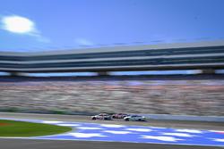 Danica Patrick, Stewart-Haas Racing Ford, Denny Hamlin, Joe Gibbs Racing Toyota, Ty Dillon, Germain Racing Chevrolet