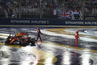 L'incidente tra Max Verstappen, Red Bull Racing RB13 e Kimi Raikkonen, Ferrari SF70H all'inizio della gara