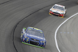 Jimmie Johnson, Hendrick Motorsports Chevrolet and Clint Bowyer, Stewart-Haas Racing Ford
