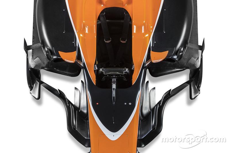 McLaren MCL32: Cockpit