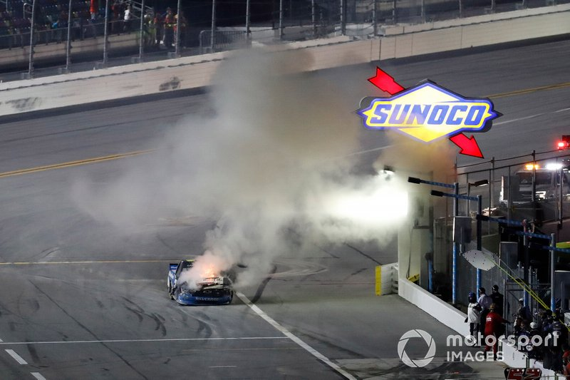Clay Greenfield, Clay Greenfield Motorsports, Chevrolet Silverado, fire