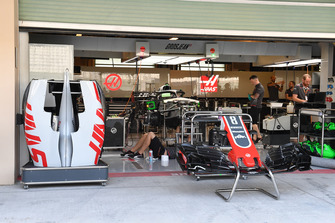 Haas F1 Team VF-18, musetto